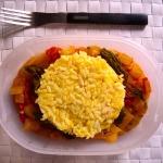 Schiscetta riso curcuma, fiori di zucca cetrioli