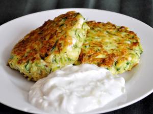 frittelle-zucchine-feta-1
